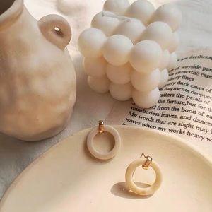 Resin Marble Cream Small Round Hoop Earrings